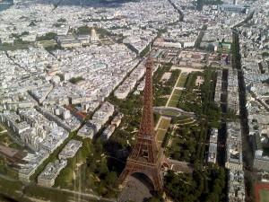 Vue aérienne sur la Tour Eiffel