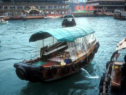 hongkong_aberdeen_boat
