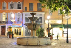 Fontaine de la place aux Aires | by chrlnz
